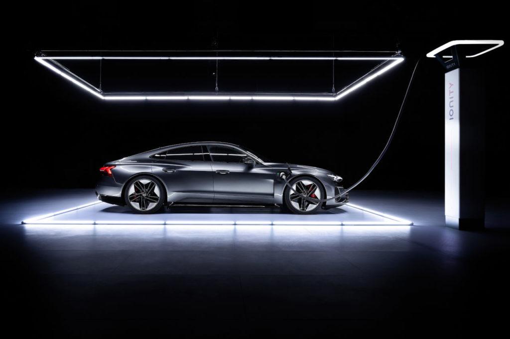 Eléctrico, deportivo y avanzado: el Audi e-tron GT no se parece a nada que hayas visto